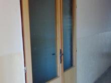 Dveře vedoucí z chodby